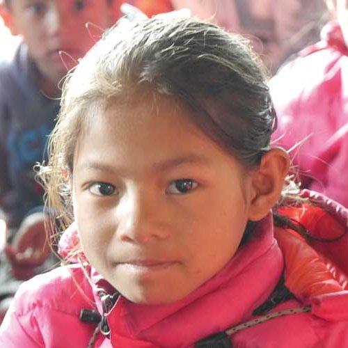 Mädchen aus Valche in Nepal